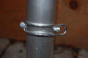 Custers Sicherheitsstecker mit Bügel